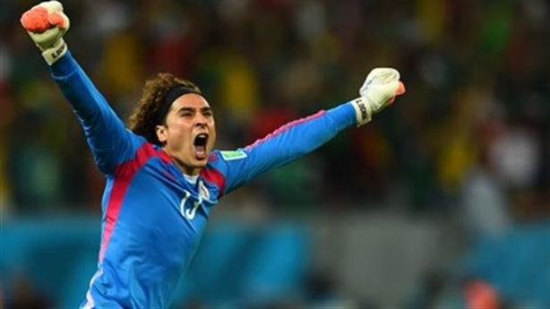 Bỏ qua lời mật ngọt, siêu thủ môn Ochoa cập bến Malaga