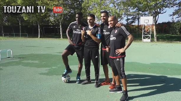 """Video: Thánh """"xỏ háng"""" Touzani thách đố Balotelli"""