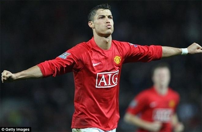 Điểm mặt Top 10 ngôi sao ngoại thành công nhất trong màu áo Quỷ đỏ